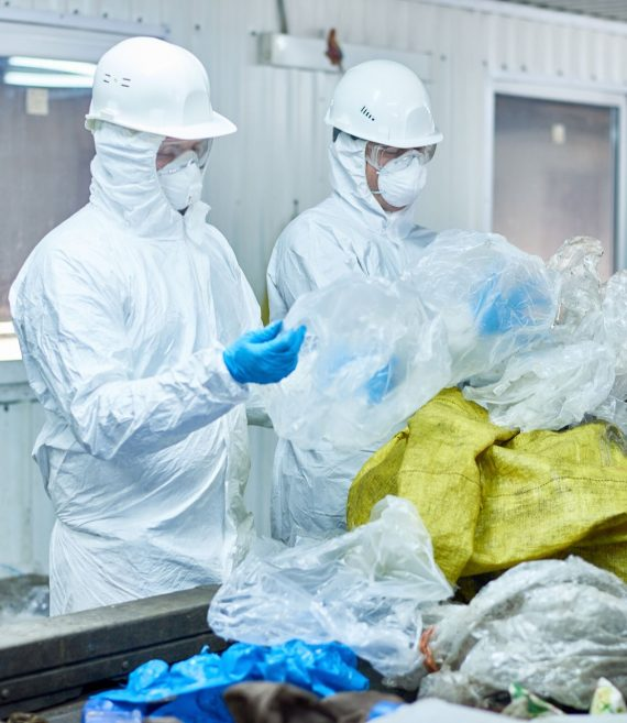 workers-on-waste-processing-plant-8NM6UX5.jpg
